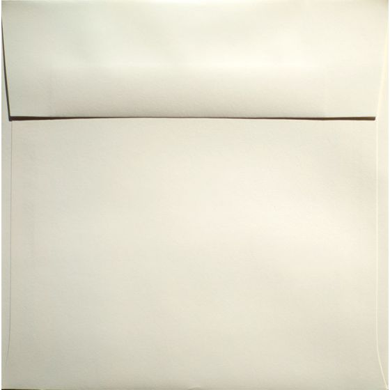 Classic Crest Natural White - 7.5 in (7.5X7.5) Square Envelopes (80T/Smooth) - 25 PK [DFS]