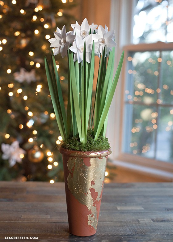 metallic paper potted paper whites - DIY Metallic Paper Paperwhites1 - Metallic Paper Potted Paper Whites