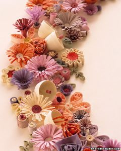Decorate Thanksgiving Table with Paper Flowers and Kids' Works