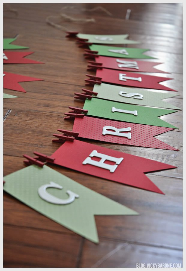 wonderful christmas interior decorating ideas--christmas tree - 12 6 13 ChristmasGarland OnFloor - Wonderful Christmas Interior Decorating Ideas–Christmas Tree