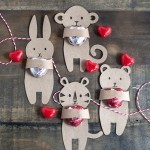 DIY Kid's Valentine's Candy Hugger